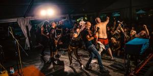 Kalashnikov-collective-dlb-2019-punk