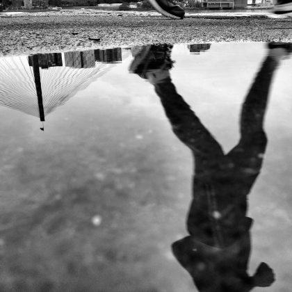 momento di vuoto uomo che corre immagine copertina